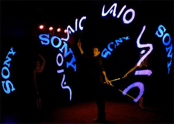 Light LED Pixel Poi Artists http://streets-united.com/blog/pixel-led-light-entertainers/