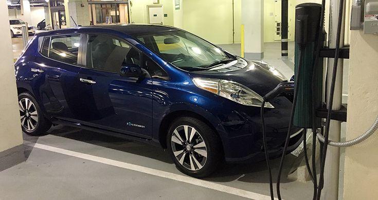 Video Test Drive Nissan LEAF SL 2017 en Miami - http://autoproyecto.com/2017/01/video-test-drive-nissan-leaf-sl-2017.html?utm_source=PN&utm_medium=Pinterest+AP&utm_campaign=SNAP