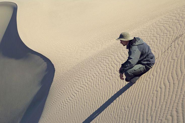 Песочница для мужчин. Глеб Tarassnko. Песчаные Дюны мескит Флэтс, Национальный парк Долина смерти, Калифорния, США. - SandboxForMen-смерти-Долина-НП-Калифорния-США - Майк Reyfman фотография