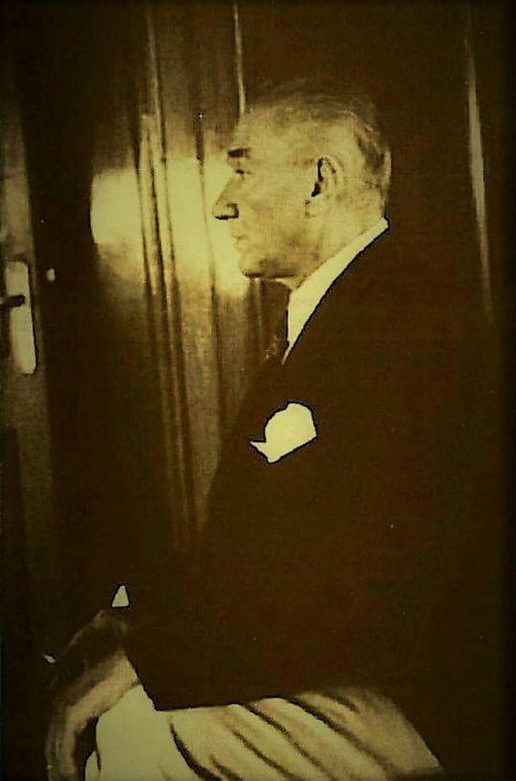 ATATÜRK'ÜN SON GÜNLERİNDE SÖYLEDİĞİ BİR SÖZ  ŞAYET ÖLECEK OLURSAM, MEMLEKETE AİT SÖYLEYECEK HİÇBİR ŞEYİM YOKTUR. ZİRA MEVCUT CUMHURİYET KANUNLARI BU İŞLERİ TEMİNE KAFİDİR  KAYNAK: 1938 KURUN GAZETESİ, 16. 12. 1938