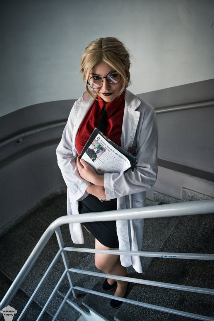 Dr. Harleen Frances Quinzel cosplay from DC Comics by The Puddins' Cosplay