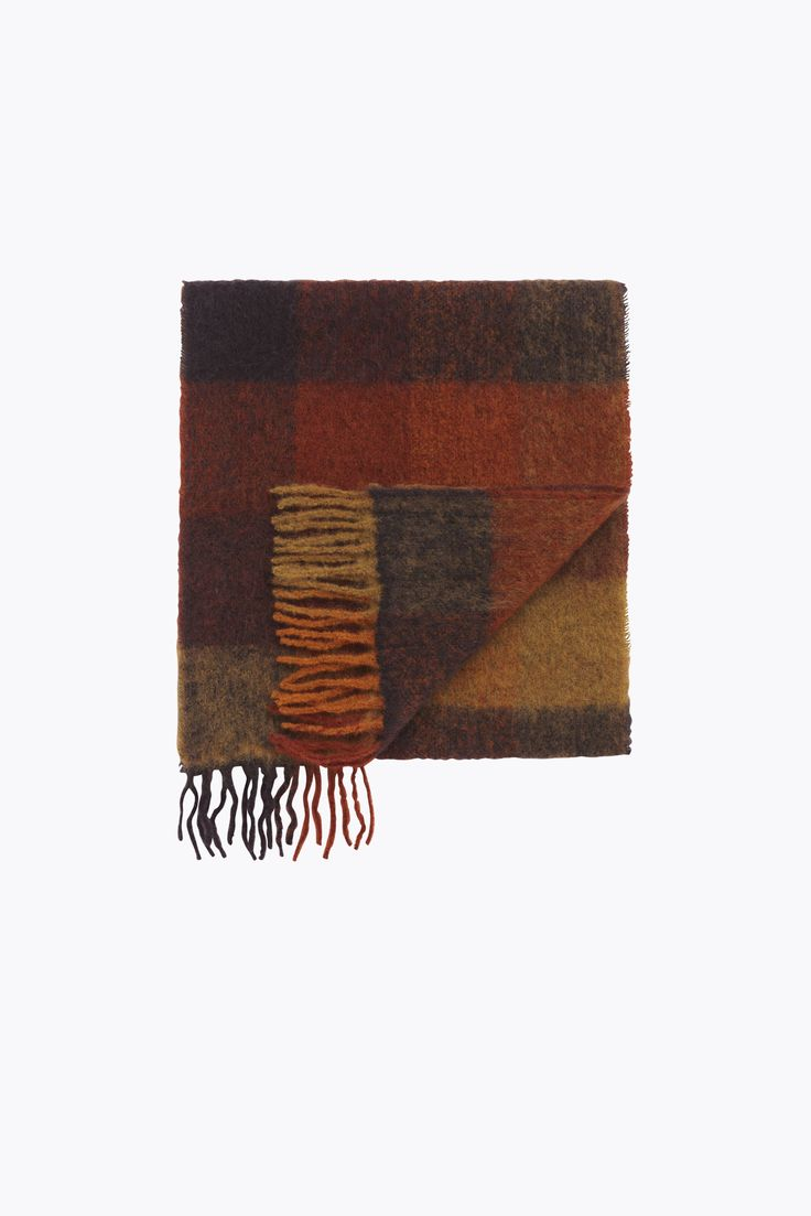 Holzweiler Official Online Store • Autumn / Winter Collection 2017 • Lambswool Scarves • Fresia Check •  Rage • 1000kr