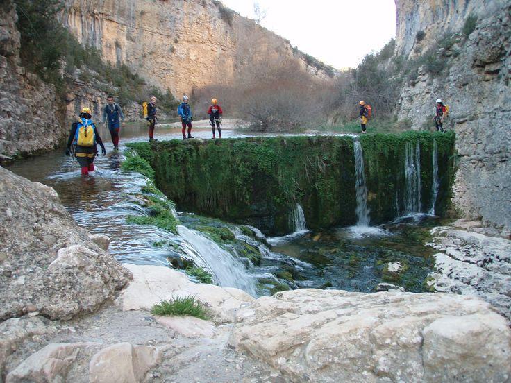 12 lugares curiosos de Aragón que tal vez desconocías. - ForoCoches. Foto: 《Barrancos de la Sierra del Guara》. Huesca.