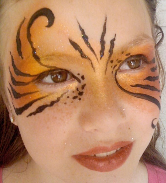 Tiger Stripe Eye Makeup