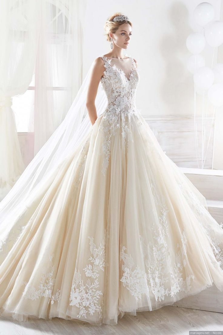 Robe de mariage : Robes de mariée Nicole 11 pour les fées du
