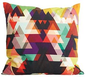 Fargerikt putetrekk med røde toner, 50x50 cm, 100% bomull. Denne gjør sofaen din happy!