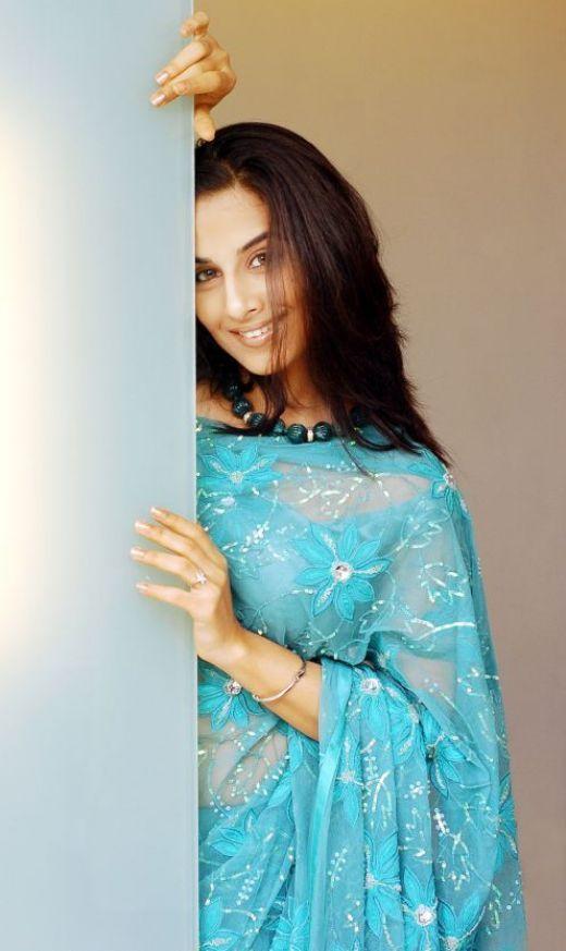 Hot Vidya Balan in saree | Hot masala pictures