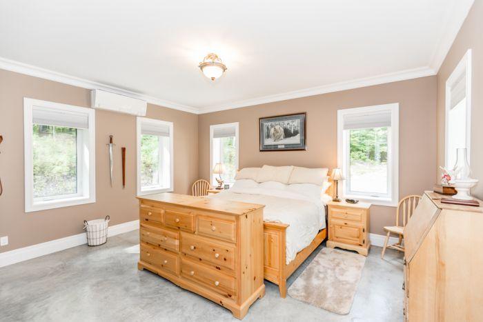 New Listing - Quality Custom Built Huntsville Home For Sale
