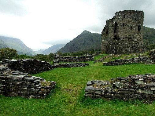 Dolbadarn Castle Ruins, Llanberis, Wales | Atlas Obscura