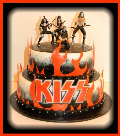 """Kiss"" Birthday Cake By antasia on CakeCentral.com"