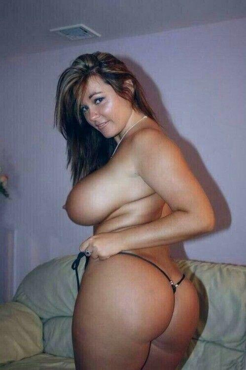 Thick chicks big tits