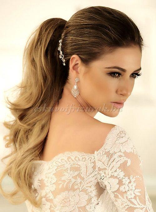 esküvői frizurák hosszú hajból -  lófarok menyasszonyoknak