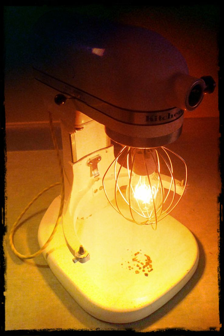 What to do with a broken old KitchenAid mixer? Make a lamp of course, complete with working switch. #IMADEIT #PIXLRCONTEST: Kitchenaid Light, Kitchenaid Mixer, Emily S Kitchenaid, Lamps I Ll