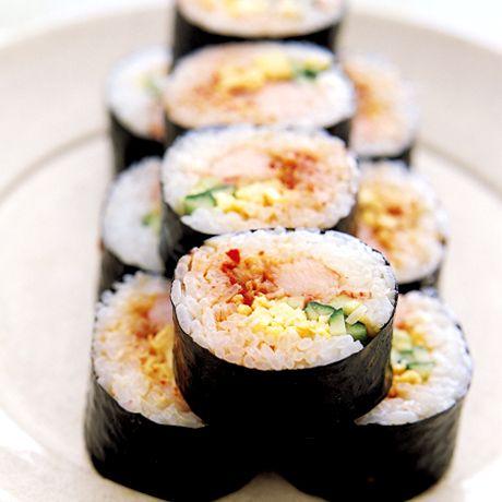 キムチ入り韓国風太巻き   藤井恵さんのごはんの料理レシピ   プロの簡単料理レシピはレタスクラブニュース