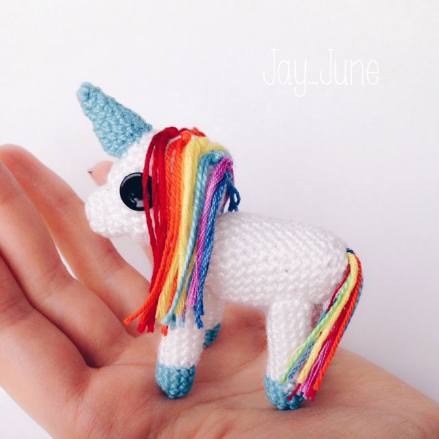 Believe in unicorns | Rainbow unicorn | Amigurumi | Crochet | DIY | Handmade | Crocheting