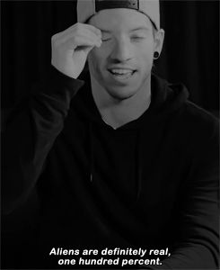 Josh dun on aliens ♡