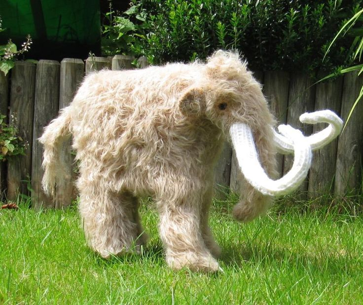 Mammoth Woolly Mammoth knitting pattern WOW! I really wish now I could knit.: Knits Patternmammoth, Prehistoric Animal, Animal Knits, Patternmammoth Woolli, Baby Toys, Knits Patterns Mammoth, Patterns Mammoth Woolli, Kids Toys, Fun Things To Knits