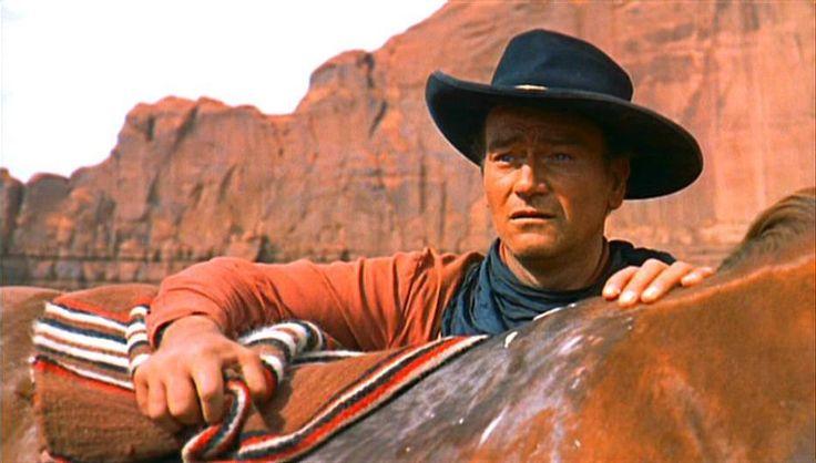 Divulgação - Ford, o Homero de Hollywood, contou muitas vezes a odisseia de grupos, mas sua obra-prima é esse filme, a tragédia (a odisseia) de um solitário. Ethan Edwards/John Wayne procura, para matar, a sobrinha que foi sequestrada pelos índios, e virou um deles. Todo personagem de Ford busca um lar. Edwards não tem direito a um. A porta fecha-se e ele fica na paisagem. Lar é só um conceito. Pode ser só a cadeira de balanço em que se embala Hank Worden.