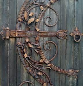 vintage door hardware. amazing.