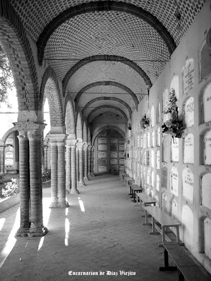 Cementerio Municipal en Encarnacion de Diaz Jalisco Mexico .... 1