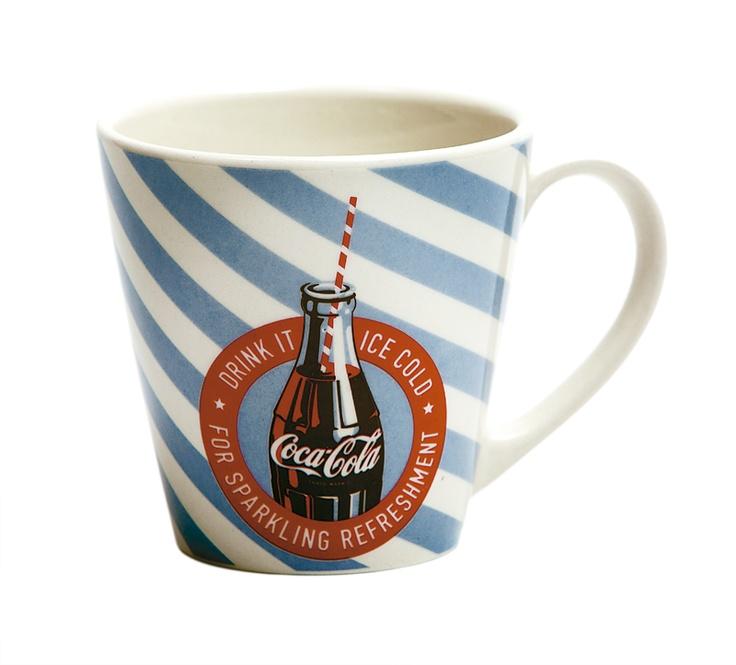 ¡Mug! Gracias a su diseño, son un versátil objeto que además de servir para tomar té o café, puede  utilizarse como porta lápices.