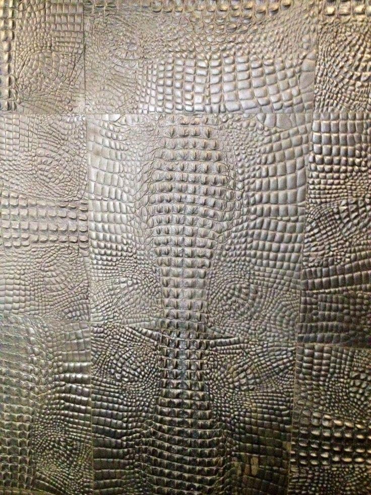 Alphenberg leather wall covering @ het arsenaal in Naarden, Jan des Bouvries #wallpaper #behang