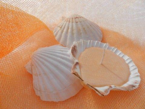 Candela fai da te in una conchiglia, Lanternine {vasetti di yoghurt} decorate con la carta e paiettes, riuso e riciclo creativo vasetti di v...