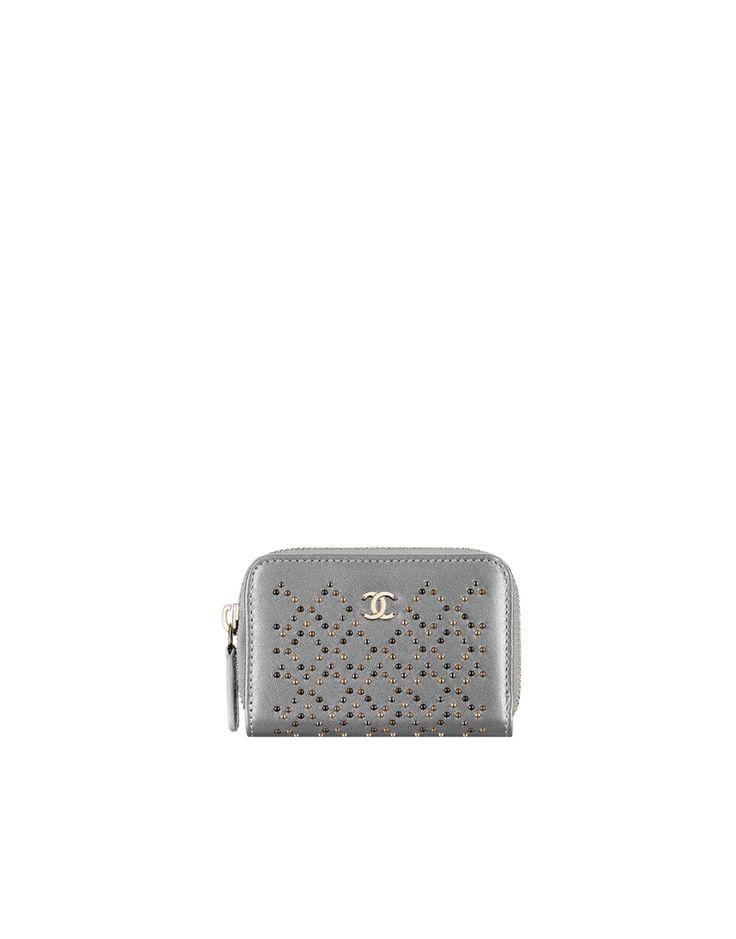 Portemonnaie, mit nieten besetztes metallic-lammleder & hellgoldenes metall-silber - CHANEL