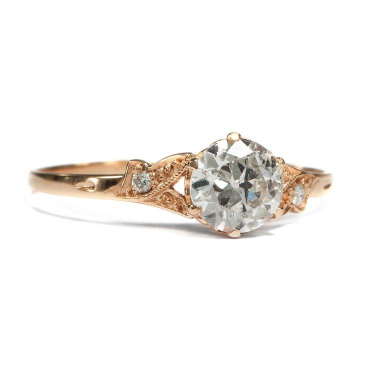 Herzenssache in Roségold - Aus unserer Werkstatt: Ein feiner Roségold-Ring mit 0,68 ct Altschliff-Diamant von Hofer Antikschmuck aus Berlin // #hoferantikschmuck #antik #schmuck #antique #jewellery #jewelry // www.hofer-antikschmuck.de