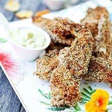 Sesampanerad kyckling med kall currysås - Recept - Tasteline