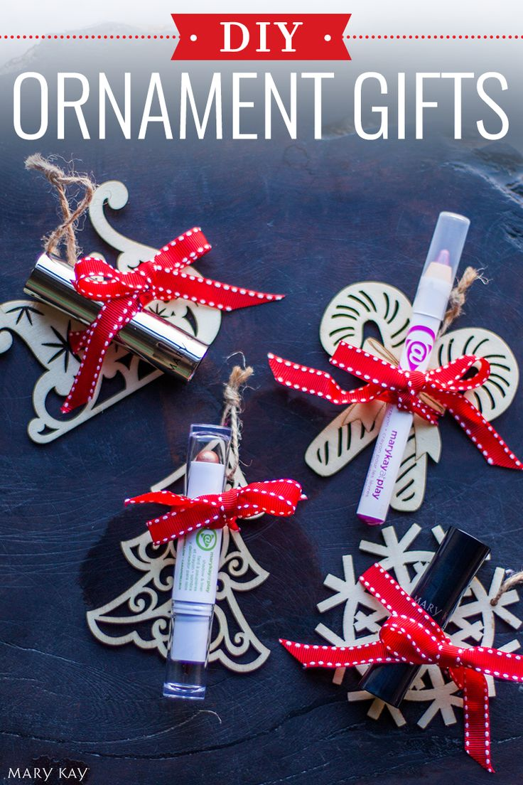 It's a 2-in-1 holiday treat and an easy DIY gift for the friends in your life! An ornament to remind her of you every holiday season, and a beauty product that easily fits into her purse! | Mary Kay