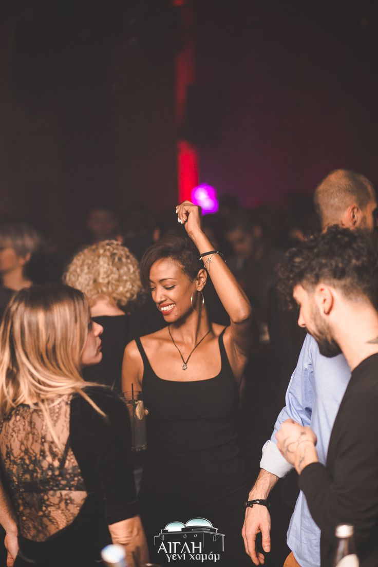 The music will set you free! Come and make your night a little brighter, during your next outing at Aigli, dancing to the beat!