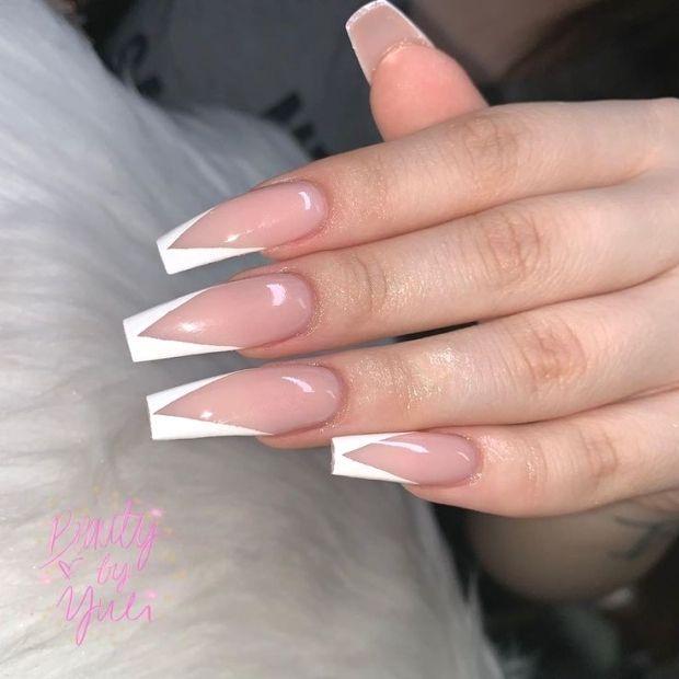 Auf French Instagram Nail Strawberry Garden Kundasang Vtip Yuli Yuli S On Ins French Tip Acrylic Nails French Tip Nails Long Acrylic Nails