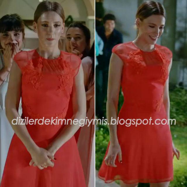 Medcezir - Mira (Serenay Sarıkaya), Red Dress
