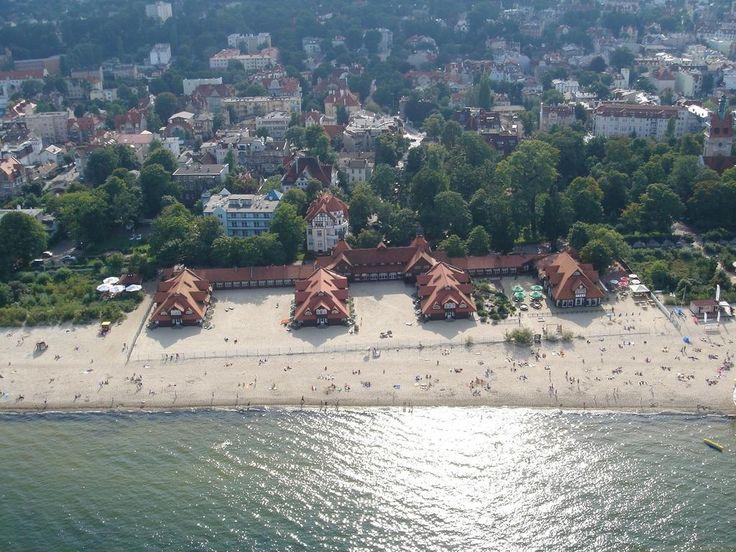 Hotel Zhong Hua znajduje się przy samej plaży