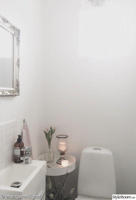 liten toalett,liten toalett före renovering,liten wc,liten toalett före och efter