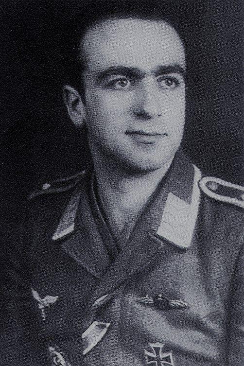 Fahnenjunker-Oberfeldwebel Carlos Nugent (1921-2000), Bordfunker in der I./Nachtjagdgeschwader 2, Ritterkreuz 17.04.1945