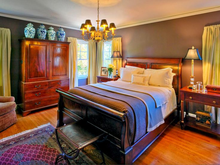 DP_Jona Collins Traditional Bedroom_s4x3.rend.hgtvcom.1280.960.