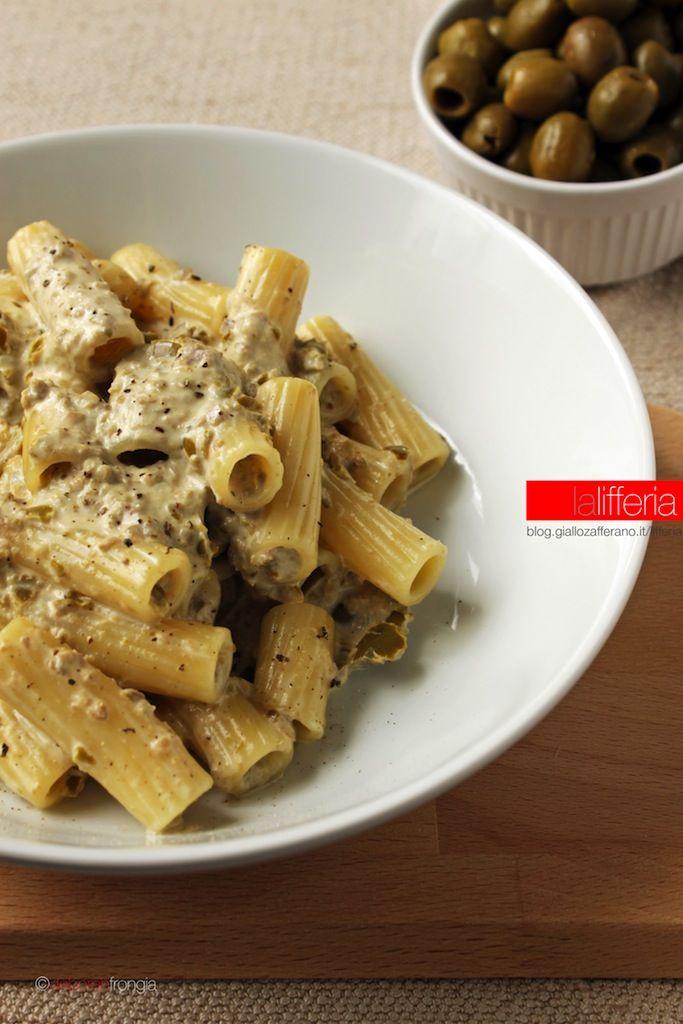 Pasta alla crema di olive