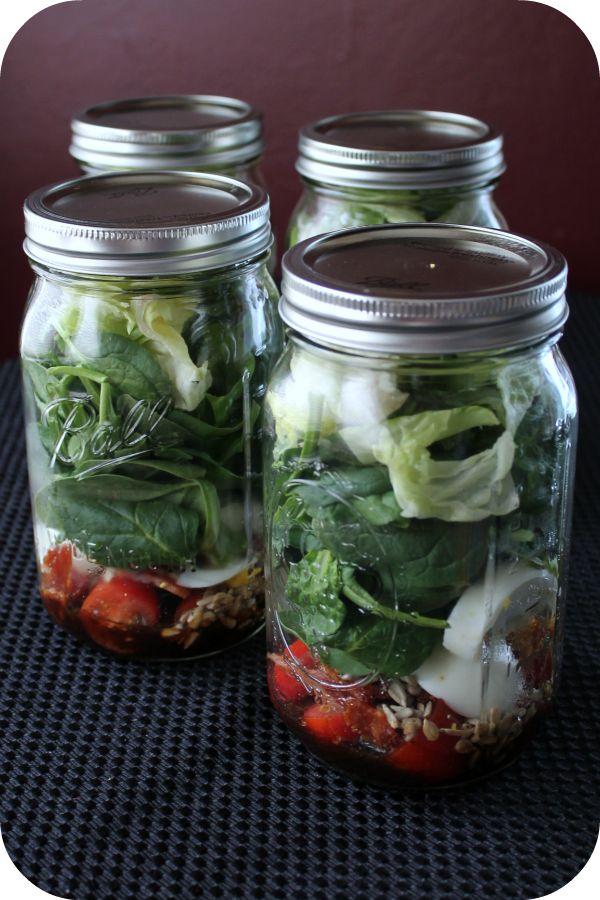Tips on putting together salad in a jar or mason jar salads