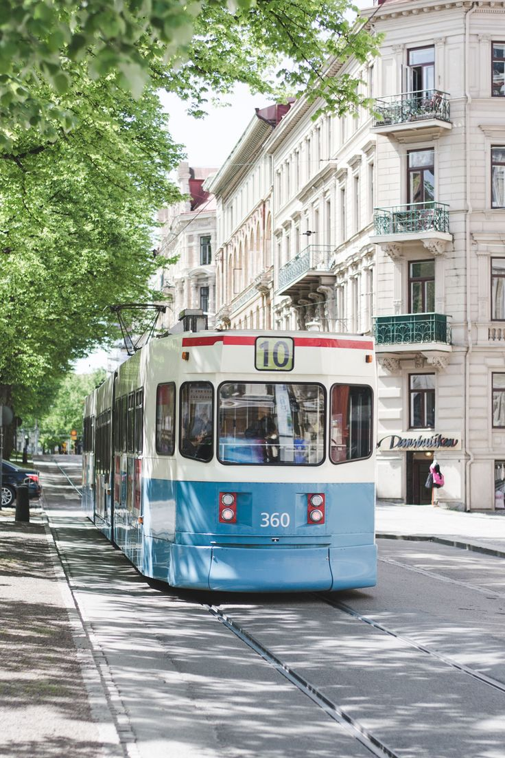 Blue tram Gothenburg, Sweden - from travel blog: http://Epepa.eu