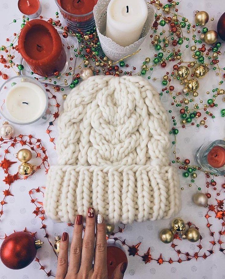 Кто чем занимается в зимние праздничные дни?  Отдыхаете, гуляете, а может кто-нибудь соскучился по пряжи и спицам, и вяжет?  На фото шапочка из пряжи #KeepCalmThisWool #WoolandMania работа @i.knit.it