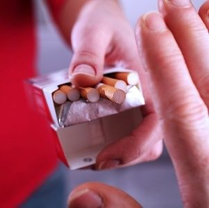 Paying smokers to quit may actually work