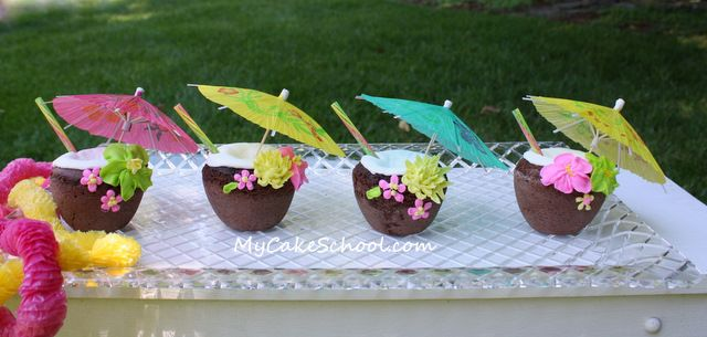"""Coconut Drink"" cupcakes--a tutorial (great for luau parties!)"
