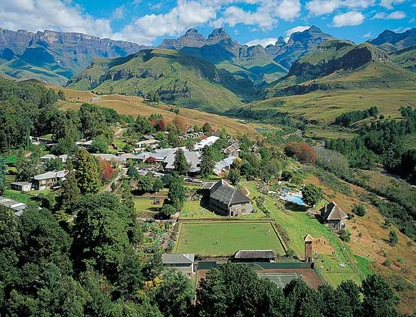 Cathedral Peak Hotel, Drakensberg - the most amazing mountain views, hiking trails and more! By far the most beautiful, serene place in S.A.