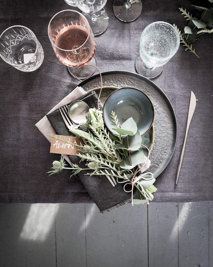 12 Super Fast Table Setting Ideas You Want to Copy at Your Next Dinner Party – Bungalow5