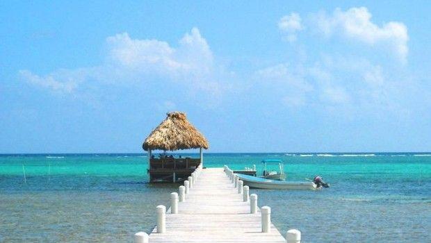 Belize heeft wat mysterieus en is nog vrij rustig qua toerisme in vergelijking met buurland Mexico. Dit bijzondere land in Midden-Amerika is ongeveer 1,5 keer zo groot als Nederland. Het landschap wisselt van dichtbegroeide jungle met verborgen Maya tempels tot open vlaktes waar paarden en koeien rustig staan te grazen. Ook de mooie stranden ontbreken niet, en het onderwaterleven in het Belize Barrier Reef is adembenemend mooi.
