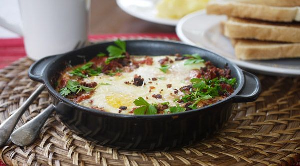 Baked Eggs in Tomato Sauce - enlarge