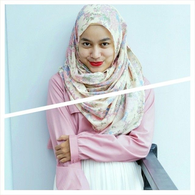 #hijabinspired #hijabstyle #STYYLI #hijabfashion #personalstyle #fashionhijab #fashion #style #stylehijab #modestfashion #modeststreetfashion #hijablook #ootd #hijab #outfit #blogger #fashionstyle #fashionstylist #hijabootd #MyHijup #mystyle #myhijab #streetstyle #instafashion #instahijab #likeforlike #hijabist #hijabista #hijabmodis #hijabdaily