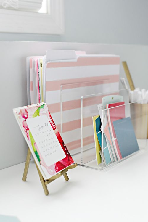 CLEANING ACRYLIC ORGANIZERS: use a microfiber cloth paired with a half water half vinegar spray on my acrylic pieces